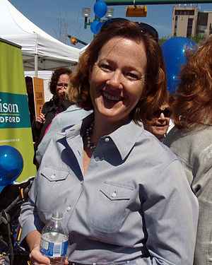 English: Alison Redford campaigning for the 20...