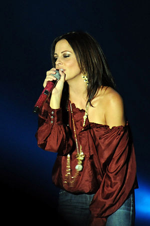 Country singer Sara Evans performs to a capaci...