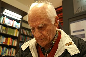 Michel Serres in a signing session at the book...