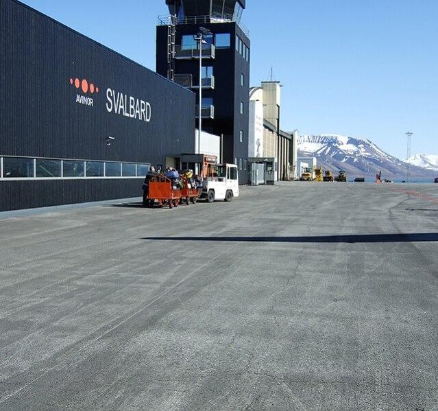 File:Svalbard Airport, Longyear 1.jpg