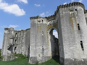 Français : Château de La Ferté-Milon (02).