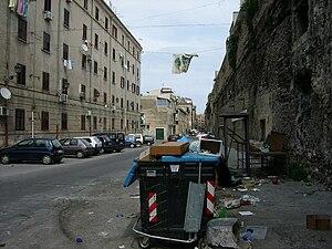 Lietuvių: tipiška Palermo gatvė