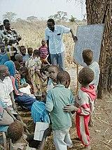 Sekolah di pedalaman Sudan, 2002