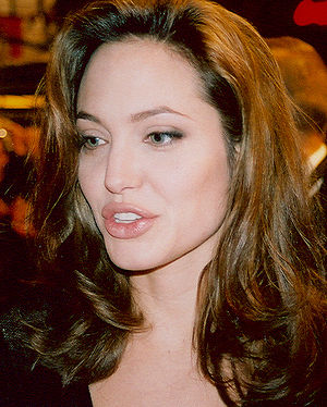 Angelina Jolie at the premiere of Alexander in...