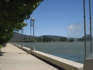 Lake Burley Griffin lakeside walk