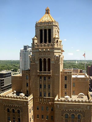 Mayo Clinic Plummer Building (seen from Mayo B...