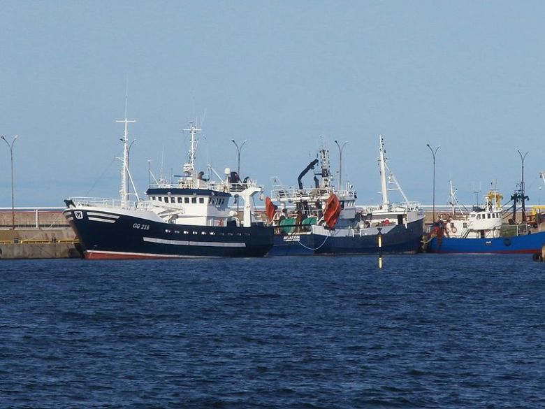 Gamla GG 218 Västfjord samt FIN-1106-T Amazon, FIN-1116-U Hemland i Miiduranna år 2016