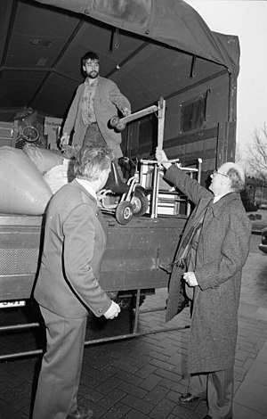 Bundesarchiv B 145 Bild-F080813-0003, Bonn, Ve...