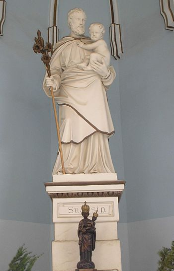 English: The Statue of Saint Joseph near Basil...