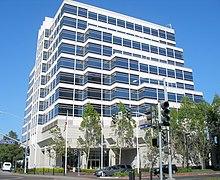 دفتر مرکزی شرکت ویزا در مرکز مترو در شهر فاستر