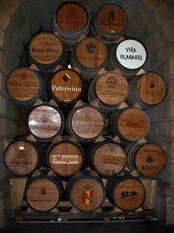 Barricas de Bodegas de Haro - La Rioja - España