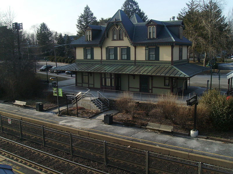 File:Fanwood Station from overpass.jpg