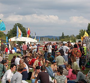 English: Towersey music festival Every year, t...