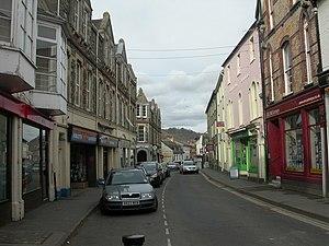 English: Builth Wells, High Street Pleasant mi...
