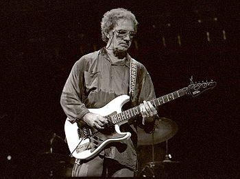 English: J.J. Cale playing the blues