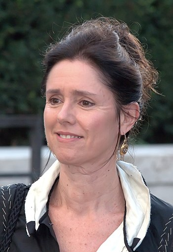 English: Julie Taymor at the 2009 premiere of ...