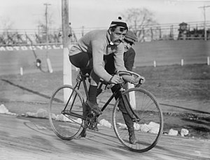 Cyclist Léon Georget in 1909.