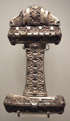 English: Museum of Scotland, Viking sword hilt...