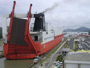 English: Tourcoing at Miraflores Locks, Panama...