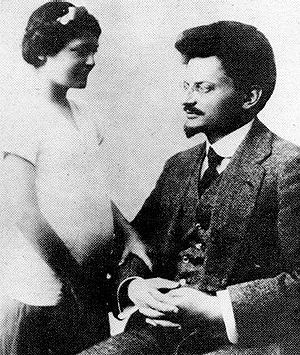 Leon Trotsky with his daughter Nina in 1915