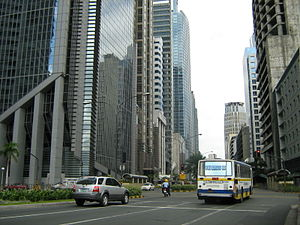 English: Ayala Avenue in Makati City, Metro Ma...