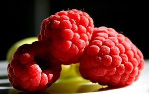 English: Frozen raspberries.