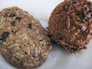 mini oatmeal cookie and coconut macaroon
