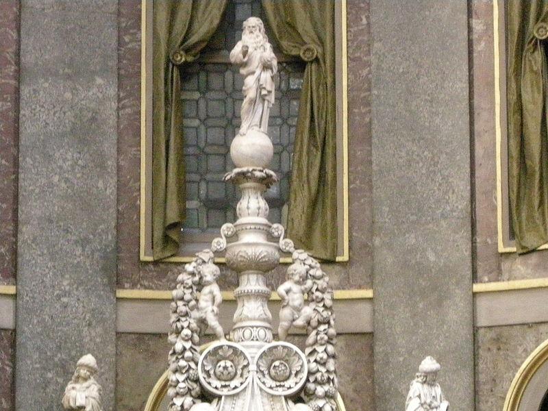 Plik: San Domenico, Bolonia, wnętrze, arka Noego San Domenico 05 Niccolò JPG.