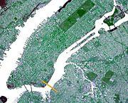 Wpdms ISS002E6333 williamsburg bridge.jpg