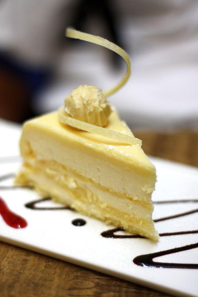 File A Slice Of White Chocolate Cake January 2009 Jpg