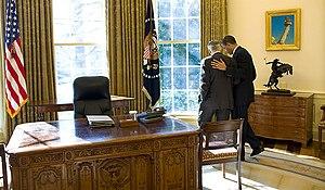 English: President Obama talks alone with Sena...