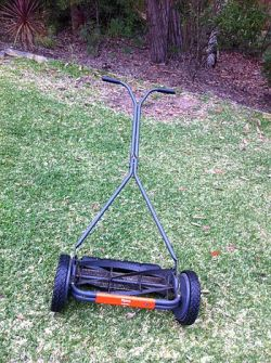 English: Purchased this Flymo H40 push mower s...