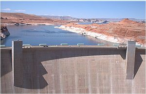 English: Photograph of Glen Canyon Dam & Lake ...