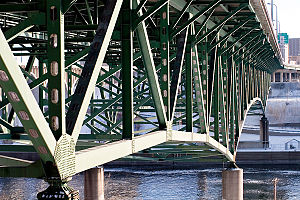 The substructure of the I-35W Mississippi Rive...