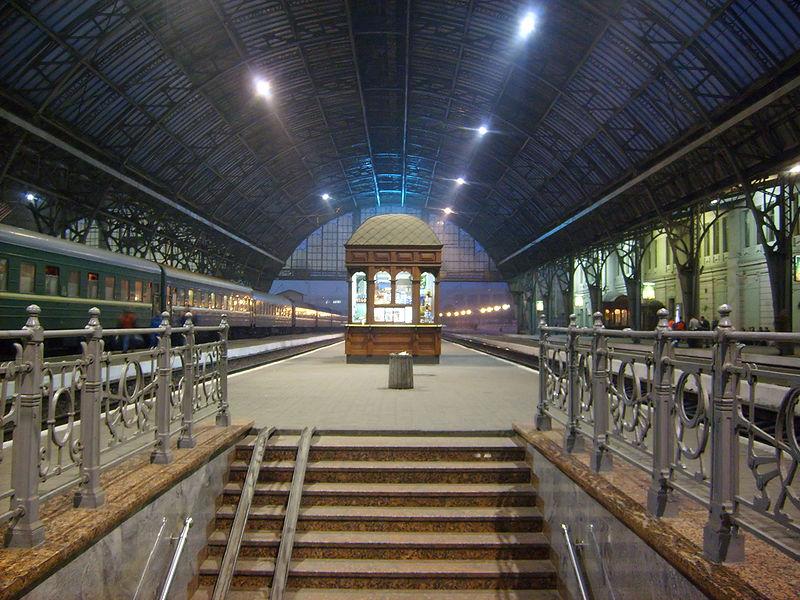File:Lwow railway station01.jpg
