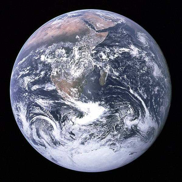 ไฟล์:The Earth seen from Apollo 17.jpg