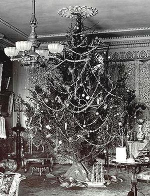 Christmas Tree in 1900.