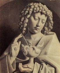 Jan van Eyck (HUILE vers 1390--1441) Saint Jean triomphant de l'épreuve de la coupe empoisonnée : Le grand prêtre du temple d'Artémis à Éphèse, nommé Aristodème, dit à saint Jean l'Évangéliste pour l'éprouver : « Si tu veux que je crois en ton Dieu, je te donnerai du poison à boire et s'il ne te fait aucun mal, c'est que ton Dieu sera le vrai Dieu. » Après avoir pilé des reptiles venimeux dans un mortier, il essaie d'abord l'effet du poison sur deux condamnés qui succombent aussitôt. Alors l'Apôtre prend à son tour la coupe et, ayant fait le signe de la croix, il boit d'un trait le poison sans en éprouver aucun mal. Puis il ressuscite les deux condamnés en étendant sur eux son manteau.