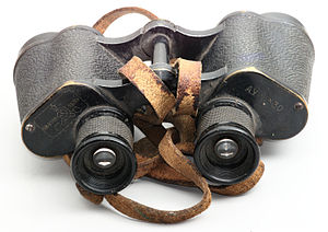 English: Binocular 6x30 Français : Jumelles 6x...
