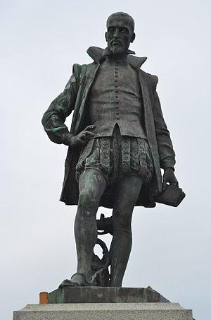 Français : Statue Joachim du Bellay - Ancenis ...