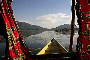 Dal lake(in Srinagar, Kashmir, India), going f...