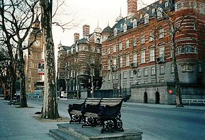 English: Street view of the Victorian Norman S...