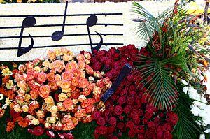 English: 2006 Rose Parade, float and flowers i...