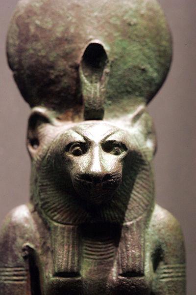 Wadżet jako Wadżet-Bastet o głowie lwicy, Luwr, nr kat. N5139