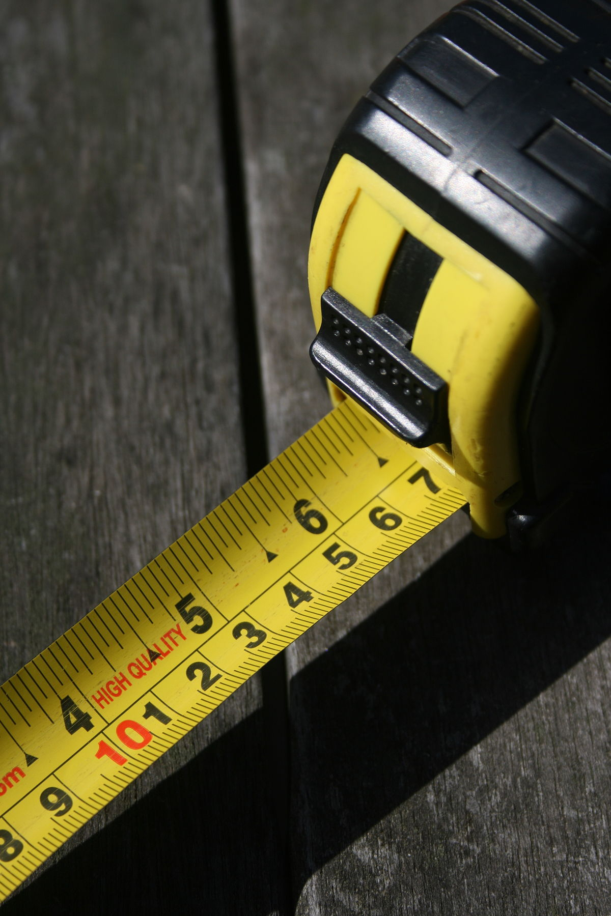 101 tape measure (8317834966).jpg