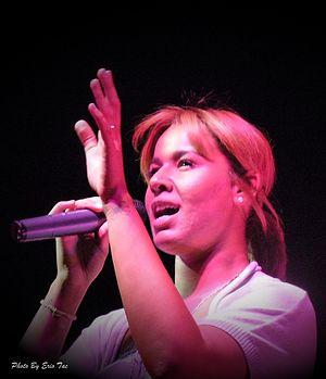 Français : Chimene Badi en concert à Perpignan...