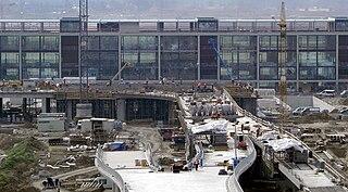 Zu diesem Zeitpunkt glaubte man wahrscheinlich noch an eine pünktliche Eröffnung... (Bild: Robert Aehnelt / Wikipedia)