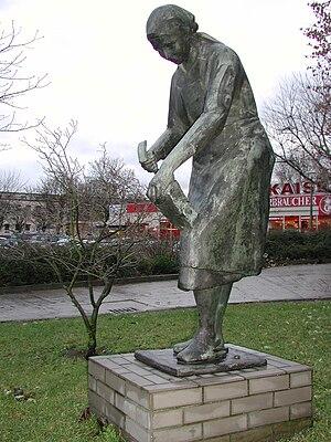 Trümmerfrauen-Denkmal von Gerhard Thieme in Be...
