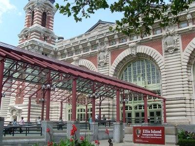 File:Ellis Island Immigration Museum.jpg - Wikimedia Commons