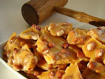 Golden peanut brittle ready to enjoy.